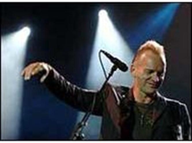 Sting'i 15 bin kişi izledi